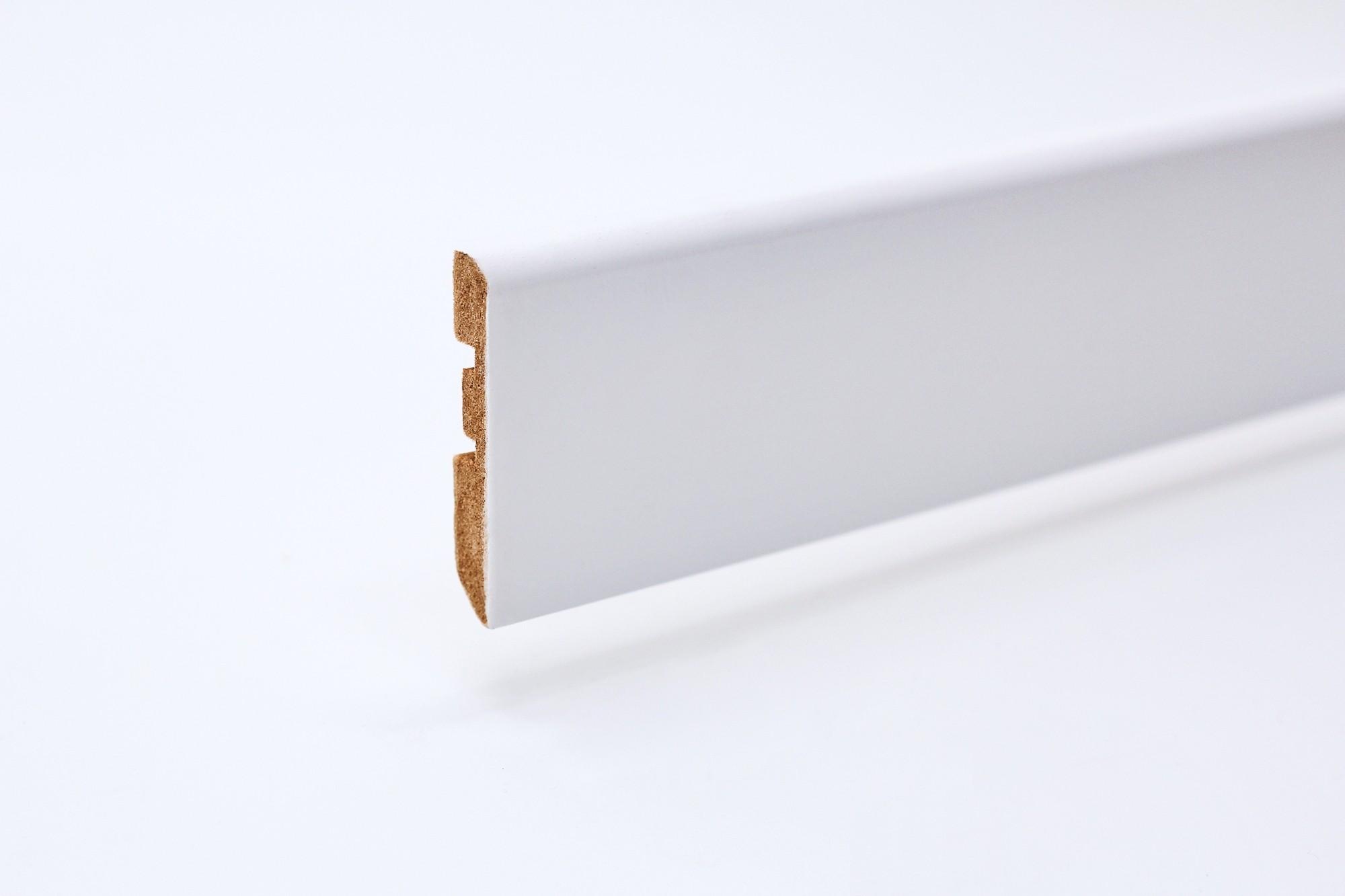 Sockelleiste (2400 x 10 x 58) abgerundet weiß lackiert Profil - Interio