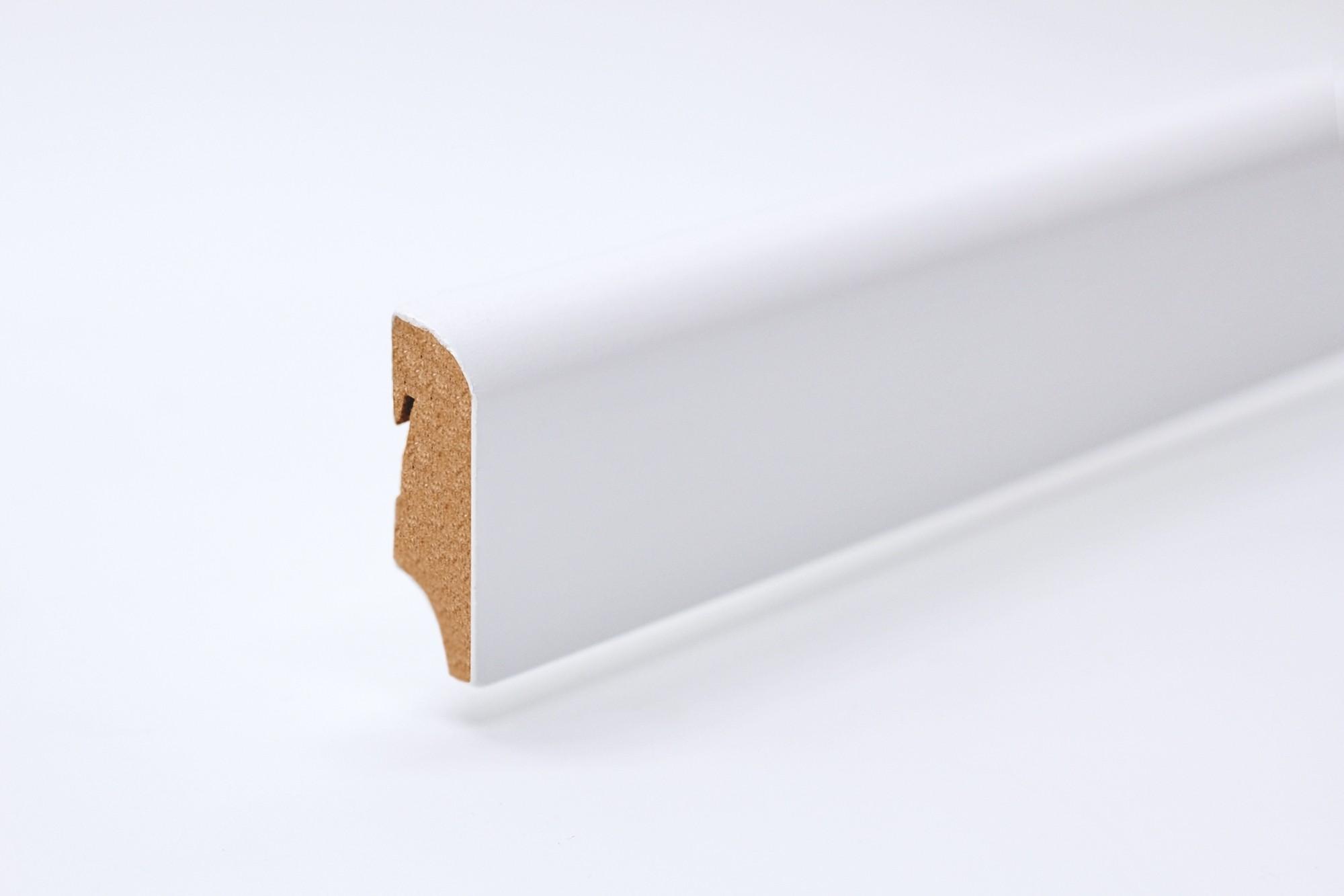 Sockelleiste (2400 x 18 x 57) abgerundet weiß lackiert - Interio