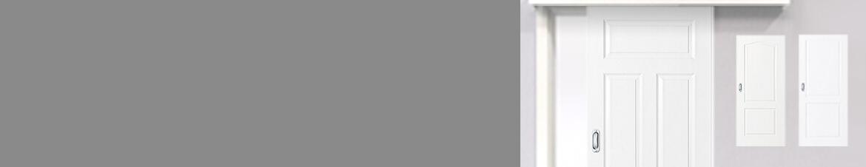 Klassische weiße Schiebetüren